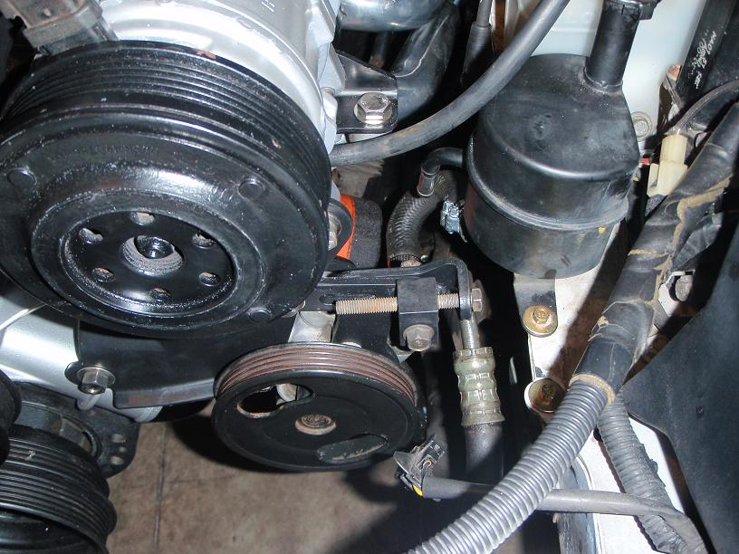 Using a Miata Power Steering Pump on a Ford V8 - McCully Racing
